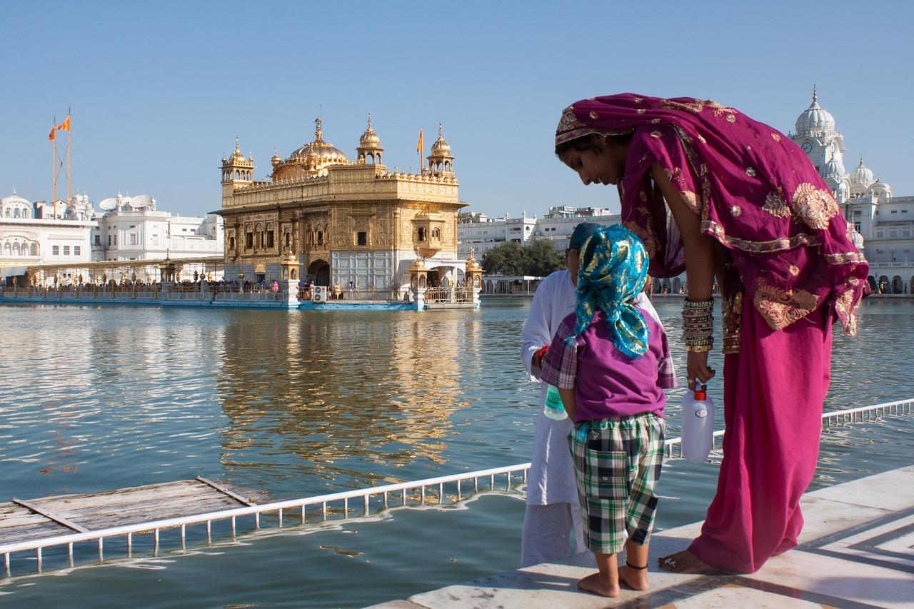 Über hundert Tote bei einem Tempelbrand in Indien