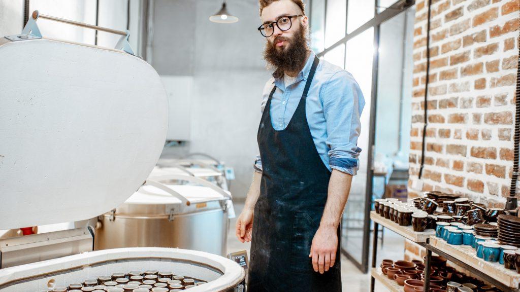 Wie man Keramik ohne Ofen brennt