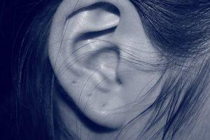Wie Sie eine Hörminderung erkennen