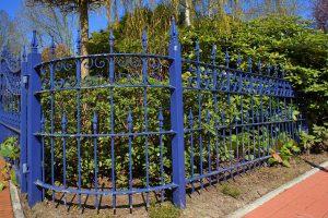 Günstige Gartenzäune und Gabionen